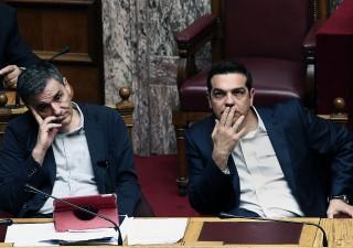 Grecia, approvata nuova austerity. Paese bloccato da scioperi