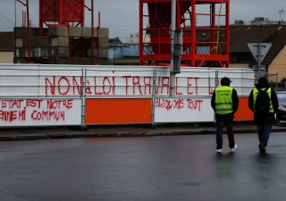 Francia: come Renzi è riuscito a imporre riforma Lavoro