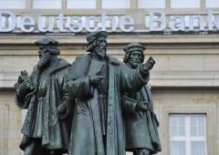 """UK: Deutsche Bank, emersi problemi di """"riciclaggio e finanziamenti a terroristi"""""""