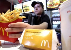 Ex ceo di McDonald's: ma quale salario minimo. Meglio assumere robot