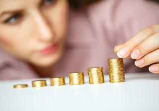 Italiani risparmiano di più, puntano sul risparmio gestito
