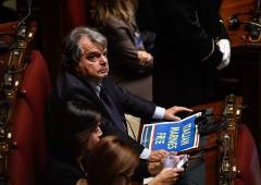 Debito sale ancora, opposizione: Padoan si dimetta