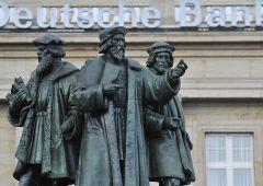 """Deutsche Bank: """"Bce così distrugge Europa, complice del populismo"""""""