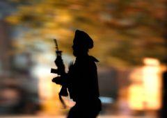 UE, proposta ridicola anti terrorismo: bandire armi storiche