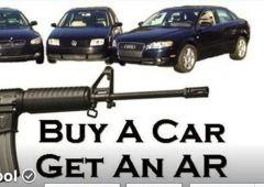 """Usa, promozione choc: """"Acquisti un'auto, ti regaliamo un fucile"""""""