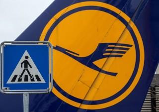 Lufthansa rivede le previsioni 2019 e il titolo tracolla in borsa