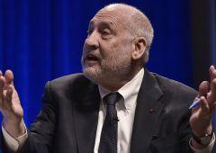 Stiglitz: l'Europa guardi al modello Biden e spenda di più per la ripresa