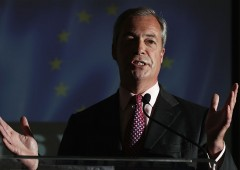 "Farage: ""l'Ue si comporta come la mafia"" (VIDEO)"