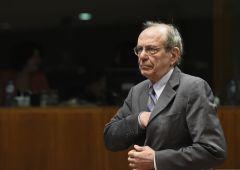 Padoan: escluso bail-in per le banche italiane