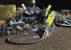 """Tragedia scontro treni: 23 morti, 52 feriti. M5S: """"Non è stato un incidente"""""""