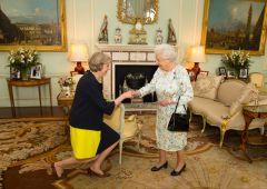 """UK, si insedia Theresa May: """"La Brexit si farà ma ci vuole tempo"""""""