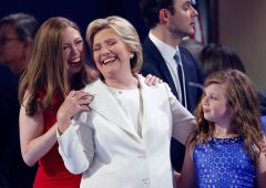 """Usa, Clinton accetta la nomination: """"Siamo alla resa dei conti"""""""
