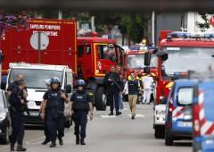 Francia: attentato ISIS in chiesa, sgozzato prete. Feriti e ostaggi