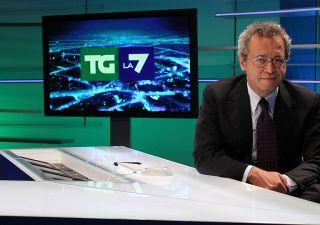 Terremoto: l'etica di Enrico Mentana e lo 'sciacallaggio' di Bruno Vespa