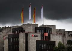 Anche in Svizzera clienti iniziano a pagare interessi sui conti risparmio