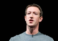 Facebook: Mark Zuckerberg in Italia, dona 500.000 euro a Croce Rossa