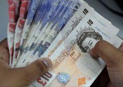 Brexit affossa sterlina? Come fare soldi con immobiliare e titoli