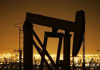 Petrolio: alert dell'uomo che aveva visto crollo 2015