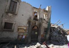 Terremoto: piano del Governo in tre tappe, assegno mensile per sfollati