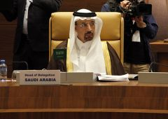 Opec, petrolio: sauditi vogliono tagliare produzione