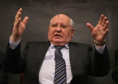 Gorbachev: guerra nucleare sempre più probabile