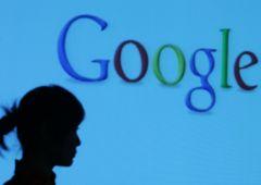 Google presenta il suo smartphone ma dietro c'è l'ombra dell'Antitrust