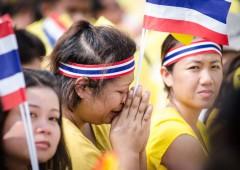 Muore re Thailandia, paura nuove rivolte