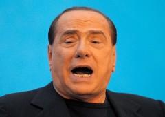 """Berlusconi a Renzi: """"se vince NO tratto con lui per riforma"""""""