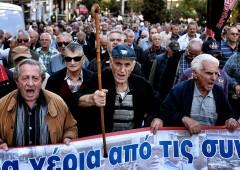 Grecia sempre più povera e Troika torna ad Atene