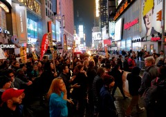 New York: scoppiano proteste anti Trump promosse da Soros