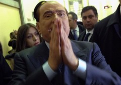 """Berlusconi attacca Grillo: """"Un comico col vizio di farsi pagare in nero"""""""