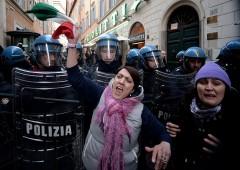 """Referendum, Natixis vede rischio di """"crisi sistemica"""""""