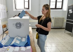 Governo ipotizza ritorno alle urne, Europa fa paura