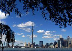 Moody's: declassate sei grandi banche del Canada