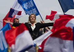 """Banche sbattono porta in faccia a Le Pen: """"Loro decidono chi può candidarsi"""""""