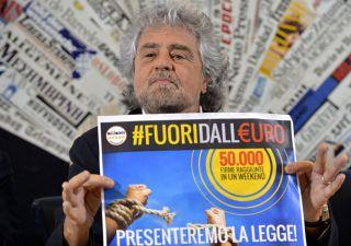 Caos Grillo, fa pace con Farage e rilancia referendum euro