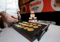 """Ferrero difende olio di palma: """"Diatriba costruita ad arte"""""""