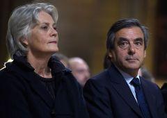 Francia, scandalo per Francois Fillon. La moglie pagata con soldi pubblici