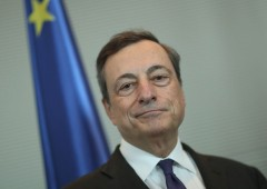 """Draghi: """"uscire dalla crisi anche a costo di un alto debito"""""""