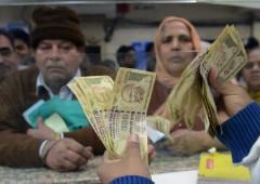Guerra contanti: India ancora in crisi, bancomat all'asciutto