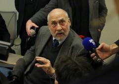 Stiglitz: Germania dovrebbe uscire dall'euro