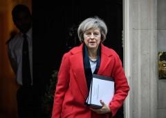 Elezioni UK, timori ingovernabilità affossano la sterlina