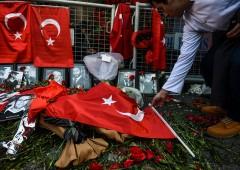 Strage Istanbul, clamoroso errore: uomo foto passaporto non è killer