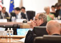 Conti pubblici: Padoan si piega a Ue e austerity