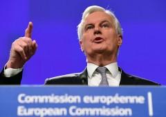 """Barnier: """"Dov'è la palla? Brexit non è un gioco"""""""