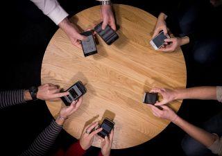 Incompleta e con 7 anni di ritardo, arriva App per WiFi gratuito in Italia