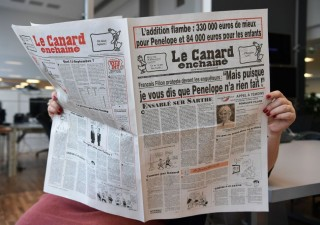 Elezioni Francia, nuova grana per Fillon: a moglie indennità parlamentare