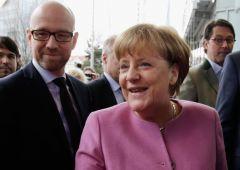 Angela Merkel vuole spaccare Europa. Italia con euro di serie B