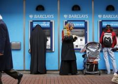 Mercati spenti, banche prese di mira