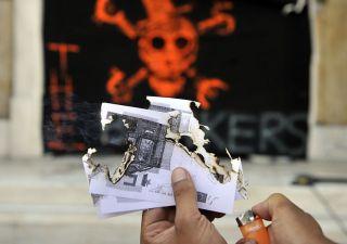 Con vittoria Le Pen, euro sotto la parità con il dollaro